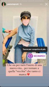 pamela prati mentre fa il vaccino, foto social
