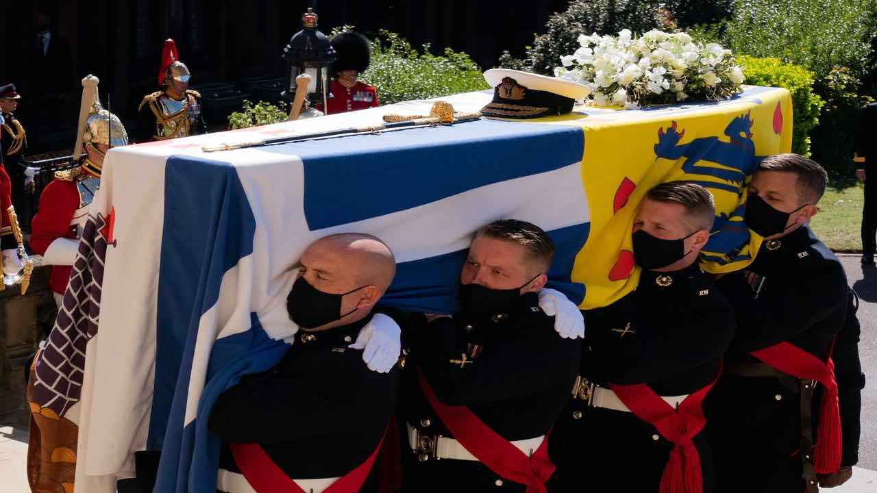 Principe Filippo funerali donna arrestata