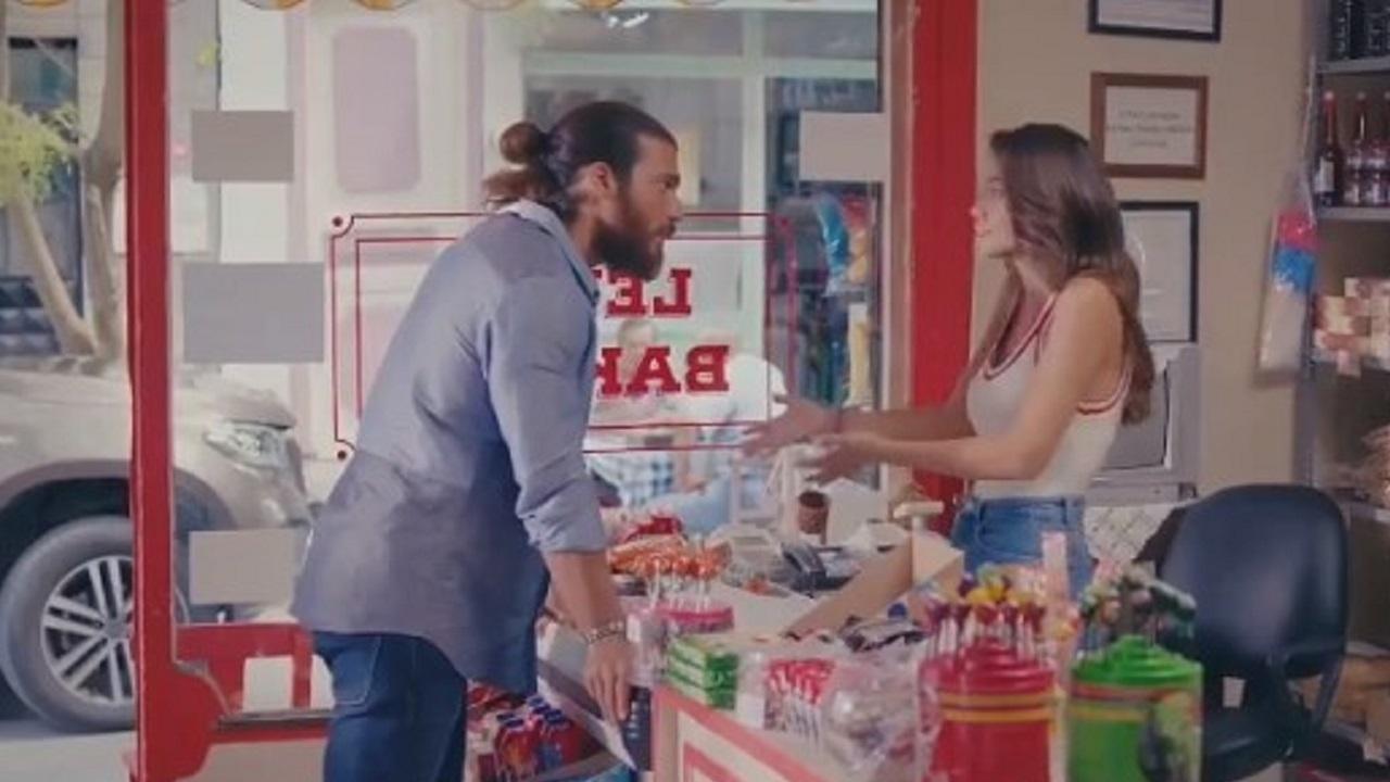 Can e Sanem nel negozio di Nihat