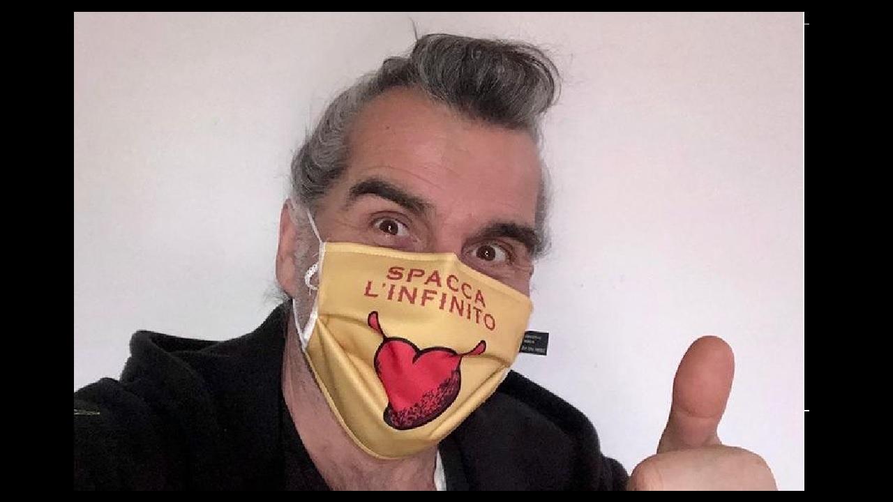 Piero Pelù, mascherina