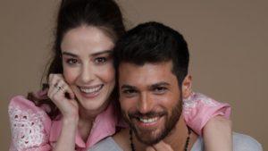 Mr Wrong, anticipazioni oggi 21 giugno: Ozgur bacia Yesim e Ezgi è disperata
