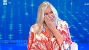 Mara Venier torna in tv e scoppia a piangere: lo sfogo in diretta