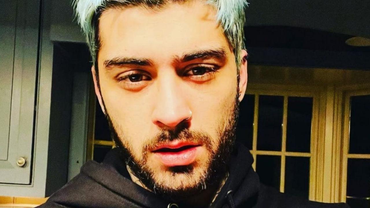 zayn malik capelli azzurri