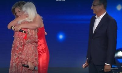 loretta goggi seat music awards